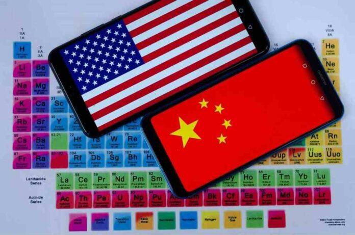 Au centre de la guerre commerciale entre la Chine et les Etats-Unis : l'enjeu technologique des smartphones