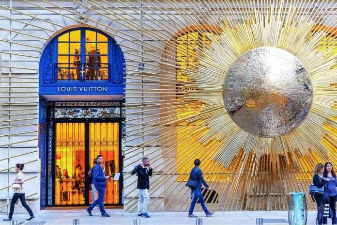 La maison Louis Vuitton dans le trio mondial du marché du luxe